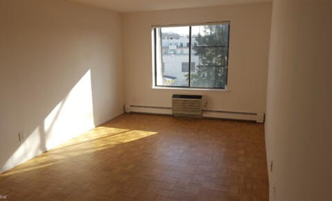 Apartments Near Hofstra 28 Gilchrest Rd for Hofstra University Students in Hempstead, NY
