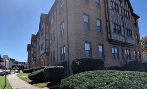 Apartments Near CCSU 31 Vine st for Central Connecticut State University Students in New Britain, CT