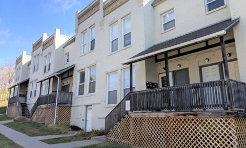 Apartments Near Creighton 1011 N 29th St for Creighton University Students in Omaha, NE