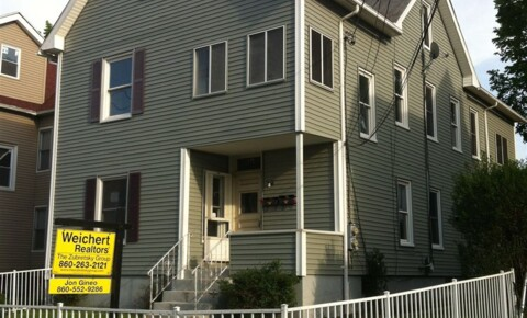 Apartments Near UConn Health Center | College Student Apartments
