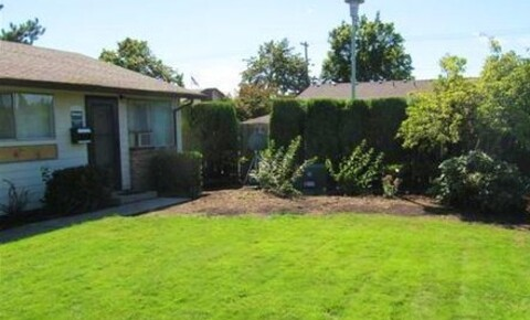 Apartments Near Hillsboro Garden Court Plaza for Hillsboro Students in Hillsboro, OR