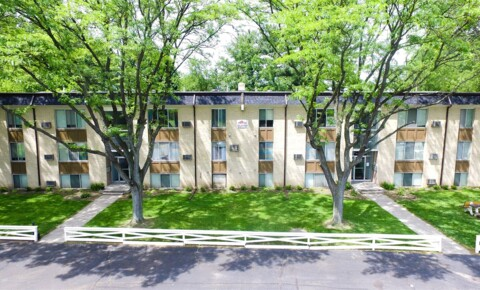 Apartments Near UT HSC Inverness Manor for University of Toledo Health Science Campus Students in Toledo, OH