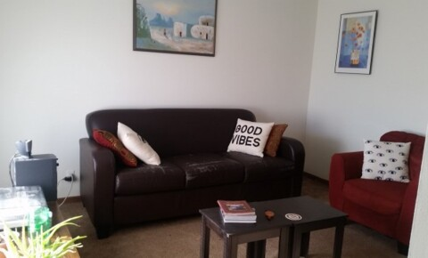 Sublets Near Parkland 1 bdrm in a 2 bdrm STARTING IMMEDIATELY, price negotiable!!! for Parkland College Students in Champaign, IL