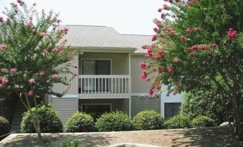 Apartments Near Catawba Valley Community College 1227 10th St Blvd NW for Catawba Valley Community College Students in Hickory, NC