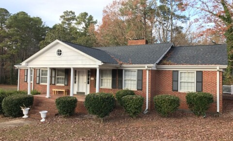 Houses Near Cary 608 SW Maynard Rd. Available now! for Cary Students in Cary, NC